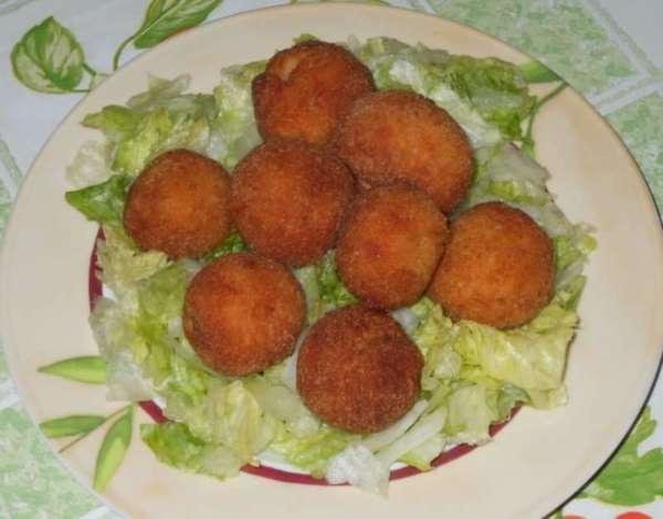 crocchette e insalata