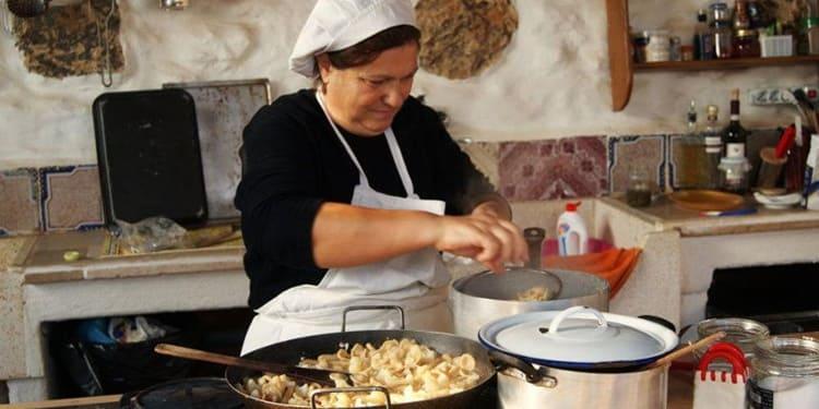Mamme italiane, 10 fissazioni che hanno solo loro e che hai ereditato pure tu