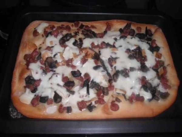 pizza e salsiccia