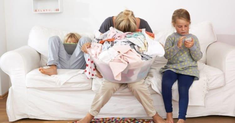 Mogli stressate dai mariti più dei figli. Ecco spiegato il motivo