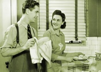 """Faccende domestiche? Le confessioni di un marito""""Caro uomo, se l'aiuti in casa non le stai facendo un favore"""""""
