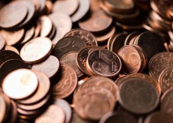 Monete da 1 e 2 centesimi sospese dal conio: i negozi possono arrotondare i prezzi