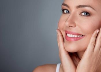 Pelle sana e giovane? Diciassette abitudini di bellezza da adottare per apparire più in forma e belle