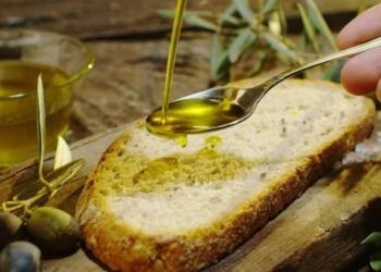 Cilento rinuncia alle merendine a scuola e I bambini riscoprono pane e olio