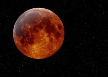 Luna rossa: un segnale di Dio tra superstizione e scienza