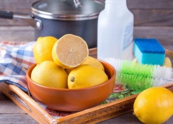 Detergente naturale per lavastoviglie a base di limone e aceto