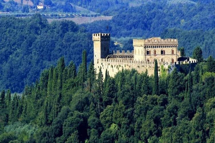 il-castello-strozzavolpe