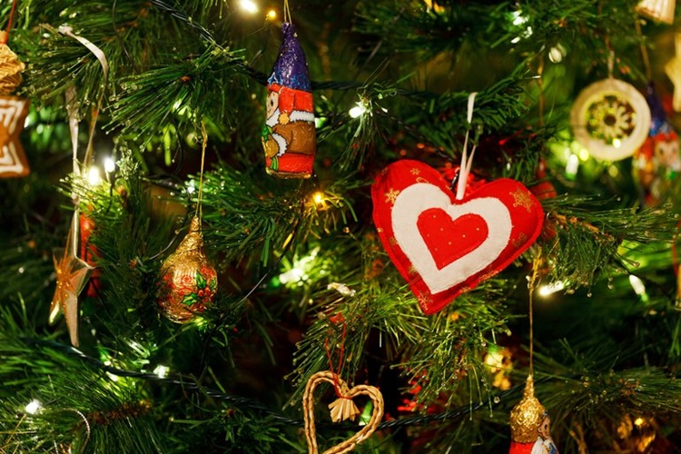 Albero Di Natale Quando Si Fa.Quando Si Fa L Albero Di Natale E Quando Toglierlo Cettinella Com