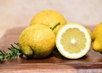Energie negative: come scacciarle e purificare la casa con il limone