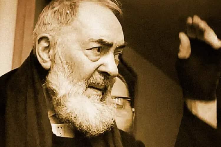 Preghiera a Padre Pio di Pietrelcina